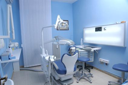 prix implant dentaire hongrie tarif soins dentaires clinique budapest cabinet vos soins. Black Bedroom Furniture Sets. Home Design Ideas